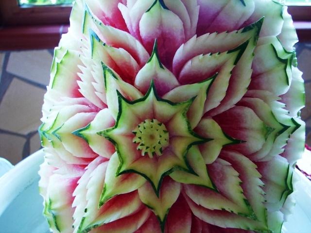 al - angurie - art - arte - arte dellintaglio - artistiche - buffet - carved - carving - categories - compositions - composizioni - forum - foto - fotografica - galleria - intagli - intaglio - meloncini - meloni - photo - registrati - tecniche - thai - thailandese - vegetables - watermelon - yield - zucche