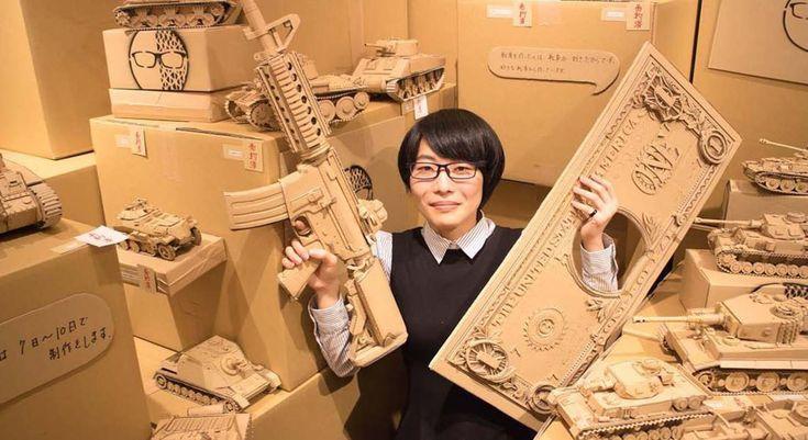 Artista japonesa utilizacaixas de papelão usadaspara recriar os mais diversos objetos - Stylo Urbano #papel #papelão #escultura #arte #upcycling
