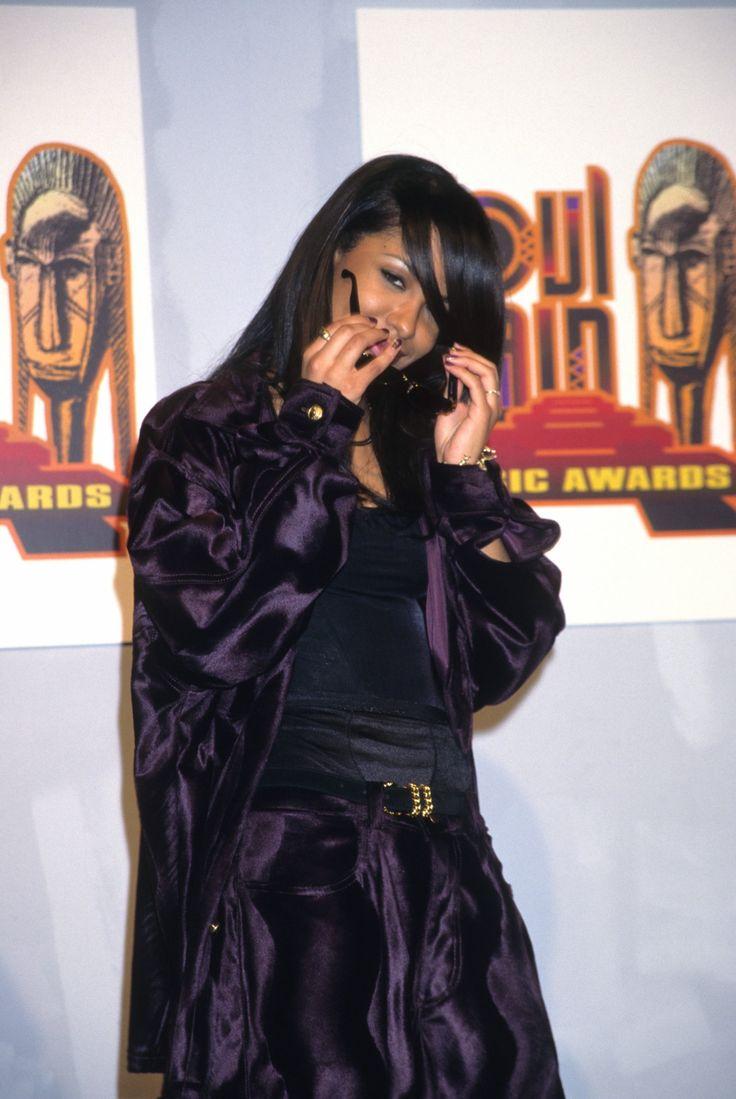 """blaquechynadoll: """" aaliyah at soul train awards """""""