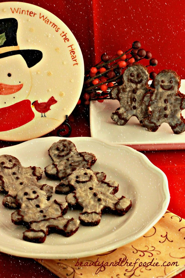 Chocolate Gingerbread Men, grain free and gluten free,| paleo with low carb version  www.beautyandthefoodie.com
