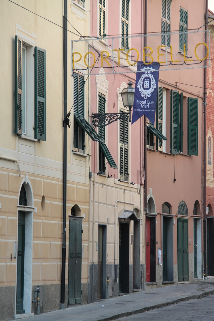 painted houses in #SestriLevante #Liguria #Italy #tips #holiday
