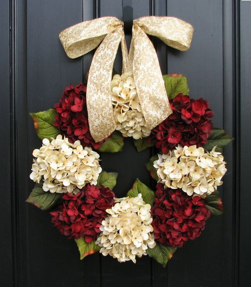 Hydraenga Christmas Wreath