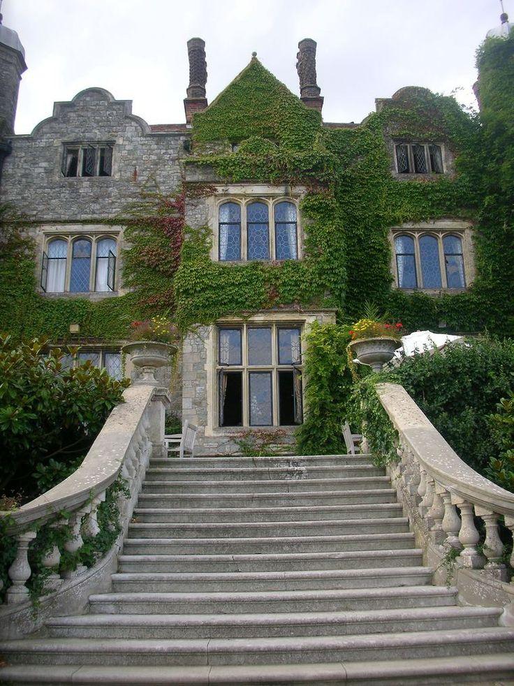 Eastwell Manor in Ashford, Kent / England (by Nicola Gourdie).