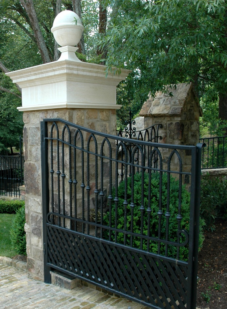 97 best images about drive this way entrance on Tudor style fence