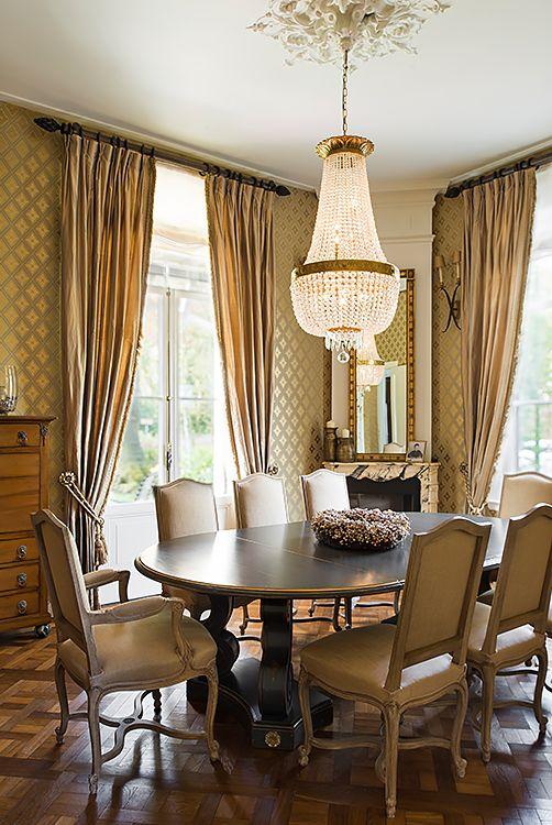 Wandlampen Vaughan, eettafel Moissonnier - Doornebal Interiors