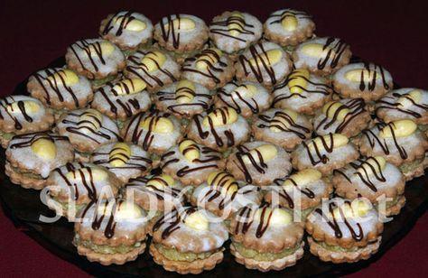 Křehké mandlové dortíčky