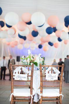Bleu marine et rose, des couleurs punchy pour mon mariage romantique
