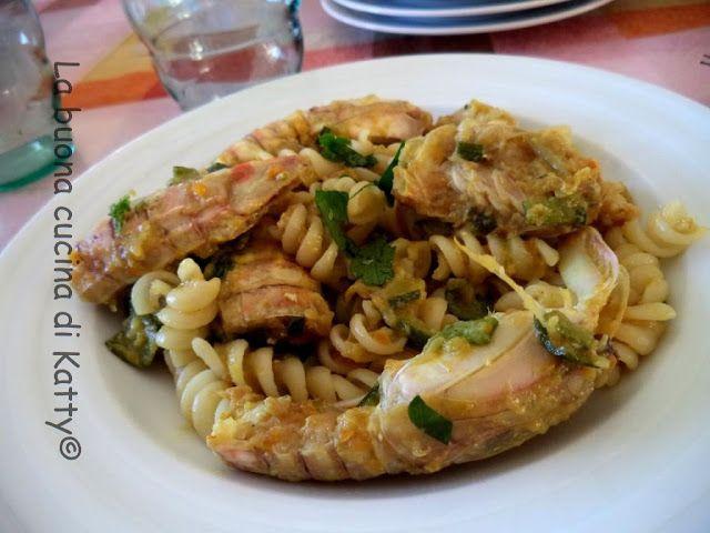 La buona cucina di Katty: Pasta di quinoa con sugo di canocchie e zucchine
