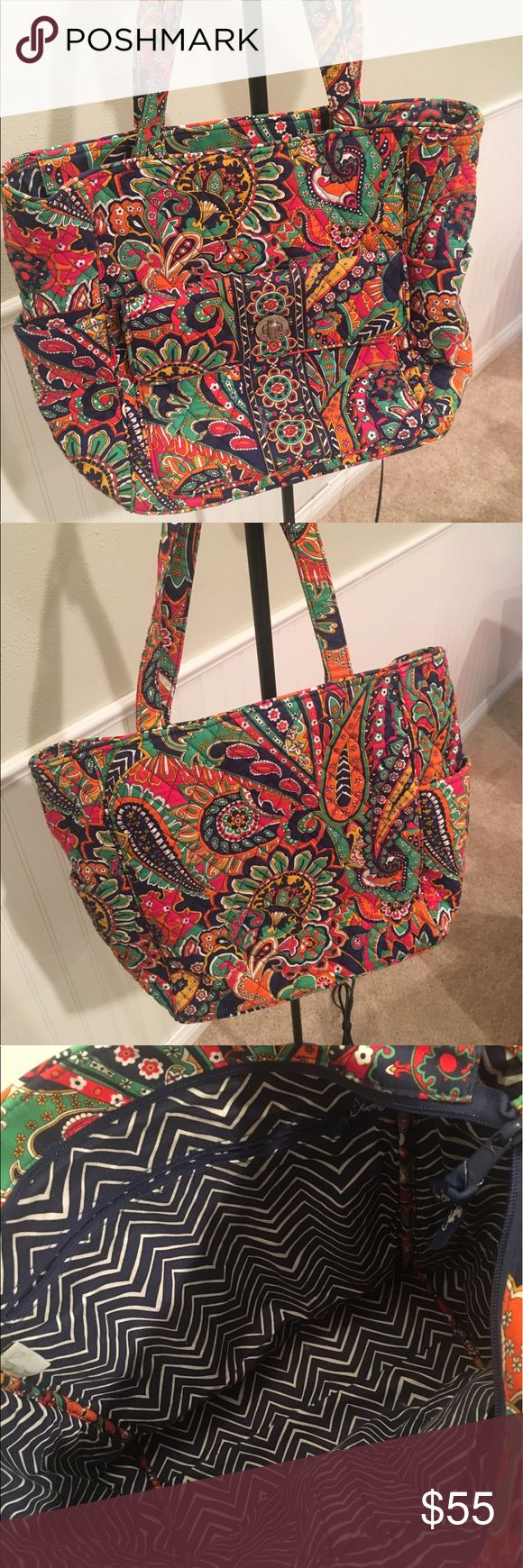Vera Bradley Tablet Tote in Venetian Paisley This baby has loyally carried my Chromebook, notebooks, other school supplies and lunch in college! Great condition, complete with side pockets for your water bottle, or extra can(s) of Diet Coke! Vera Bradley Bags Totes