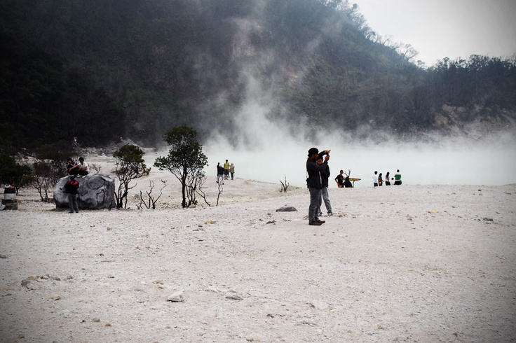 Just at the outskirt of Bandung, the magical scenery of Kawah Putih or the white crater is legendary among photographers.