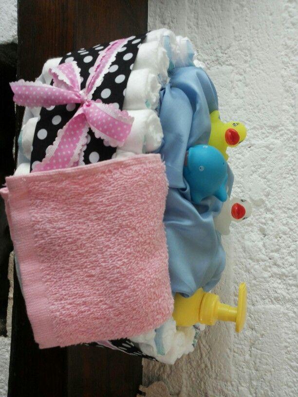 3 onder het blauwe stof,pak luierdoekjes,gestippelde lint is ook reep stof,handdoekje is een slabbetje