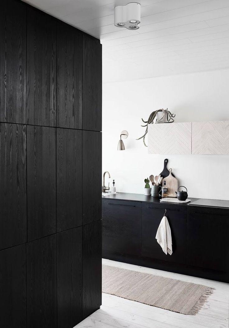 Prachtige zwarte keuken! #keukenblad #aanrechtblad