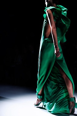 Fabulosity on the Runway: Gucci Spring, Fashion, Emerald Green, Style, Color, Spring Summer, Green Dress, Emerald City