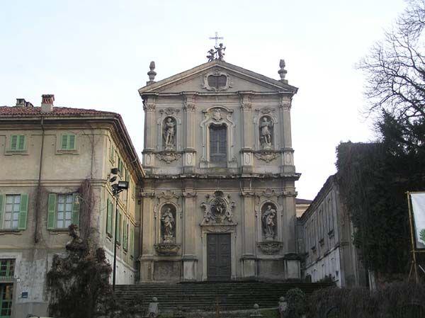 Chiesa di San Vittore accanto alla Villa Antona Traversi   Meda #brianzaville