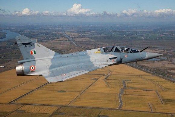 Força Aérea Indiana recebe oficialmente, na França, seus dois primeiros Mirage 2000 modernizados