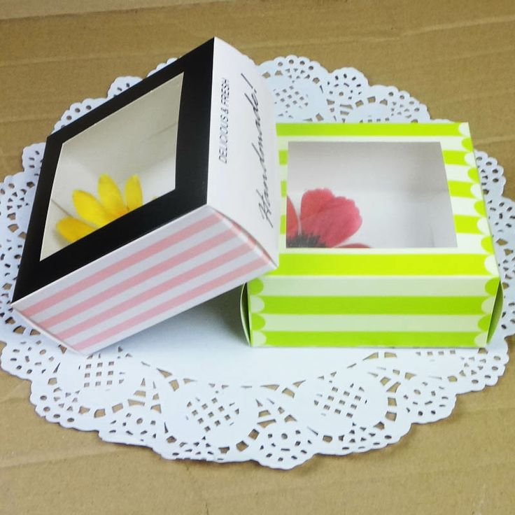 Stripe biscuit box with pvc window Food packing boxes Cake box bread toast box 10*10*4.5cm