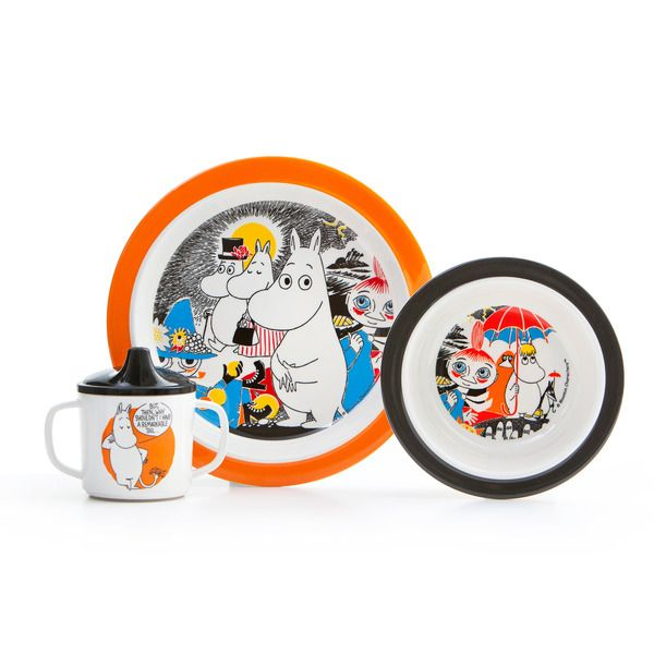 Moomin comics - tableware set  Durable kids dinnerware in scratchproof melamine plastic with motifs of Mumin.Praktisk anti-slip ring for the cup and the flat plate. Deep plate with suction cups and spill-proof cup with handle.