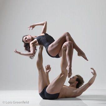 Ballet Hispanico Dancers (c) Lois Greenfield