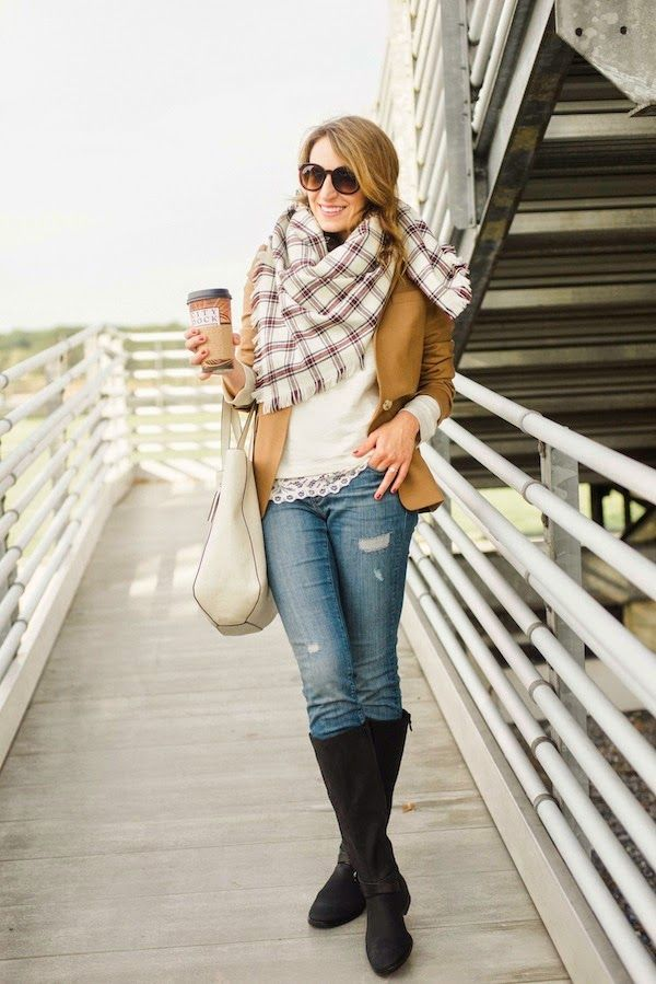 A Comfy & Cozy Game Day Outfit