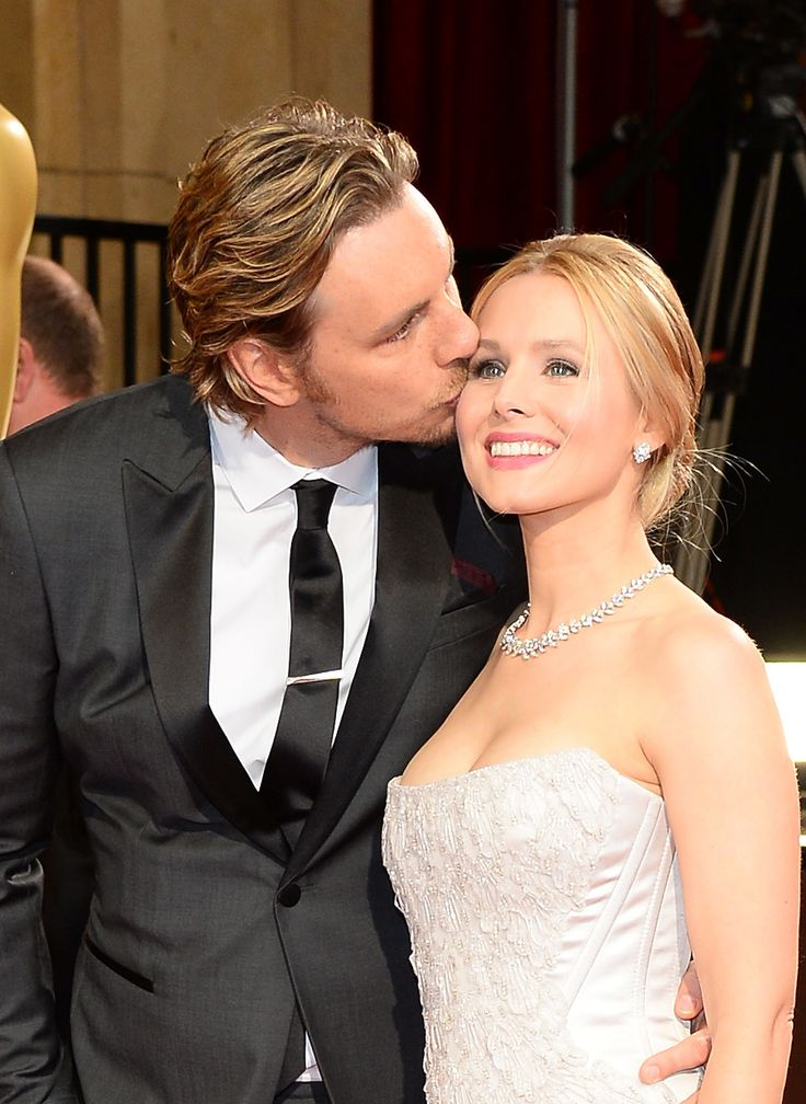 How beautiful are Kristen Bell and Dax Shepard as a couple?
