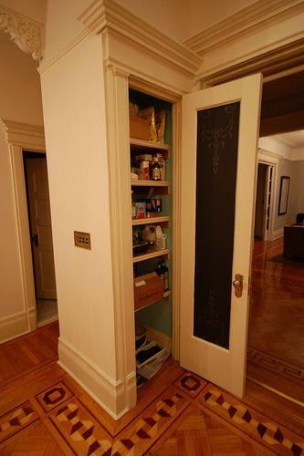 Chalkboard DoorChalkboards Pantries, Closets Doors, Pantry Doors, Chalkboards Painting, Chalkboard Paint, Chalk Boards, Chalkboards Ideas, Chalkboards Doors, Pantries Doors