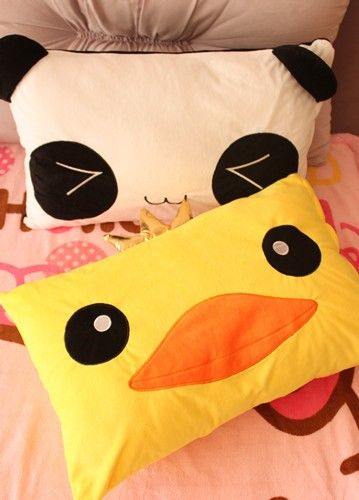 Duck stuffy pillow