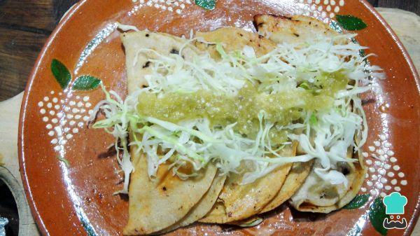 Aprende a preparar tacos al vapor de papa con esta rica y fácil receta. Los tacos forman parte de la comida típica mexicana, aunque de acuerdo a cada región o estado...