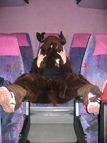 At the Moose bus #floorball #moose @Happeefloorball #happee #heimohirvi