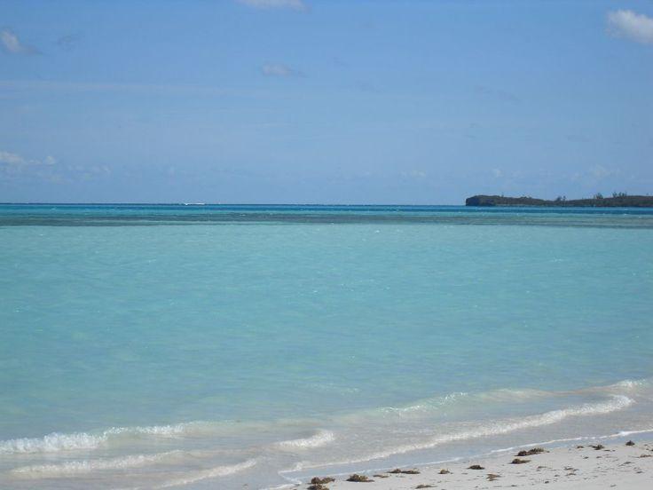 Island Waves Bahamas
