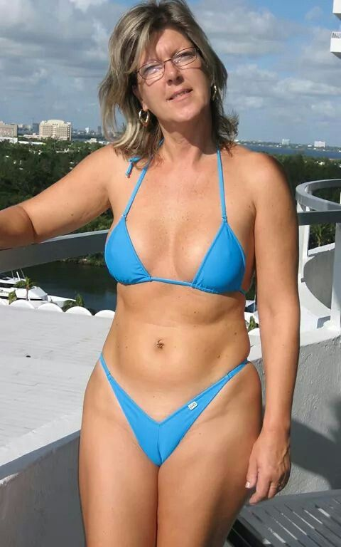 Sluuut Lol photo of amateur mature wife in sexy bikini on beach would worship