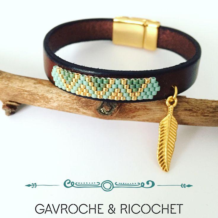 Bracelet manchette cuir/perles miyuki et plume