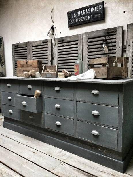 Rustic industrial black drawered work bench : Meubles de rangement industriel métal bois