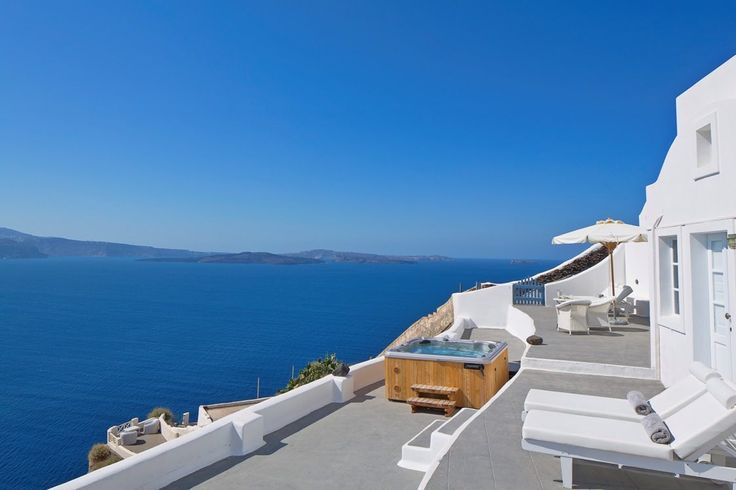 You wlll be at peace at the Canaves Oia Villa