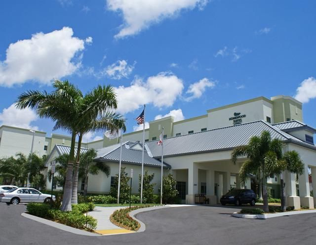 Book Port Everglades Fly & Cruise Hotel packages. Port Everglades hotels offering shuttles to the cruise terminal in Port Everglades. Book now and save.