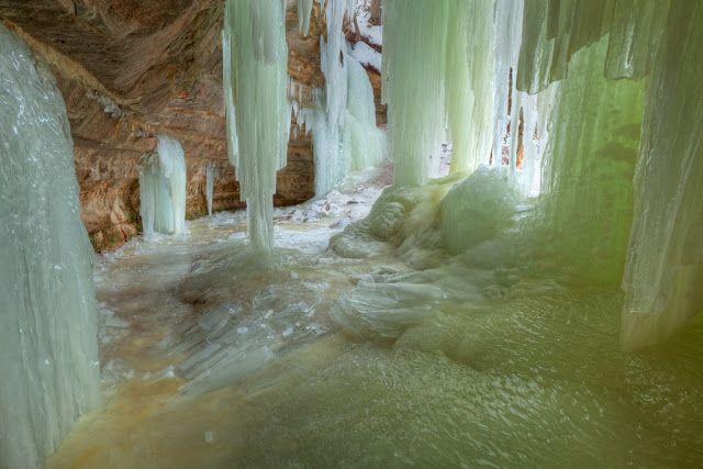 Ледяные пещеры, США  Штат Мичиган