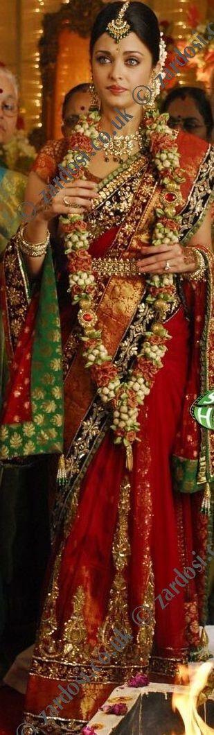 Aishwarya rai wears a traditional south indian bridal saree and jewellery