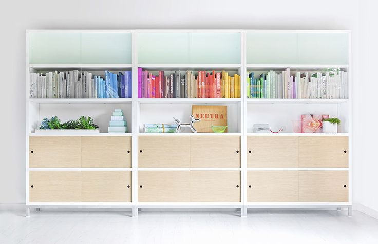 Sapporo storage system, a Jesus Gasca design for STUA design label. Sapporo is always white, it can stack as many units as you want, and has sliding doors on the front.