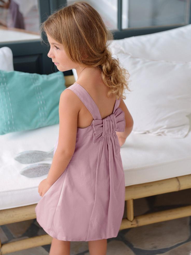 Kleid hinten (in flieder)