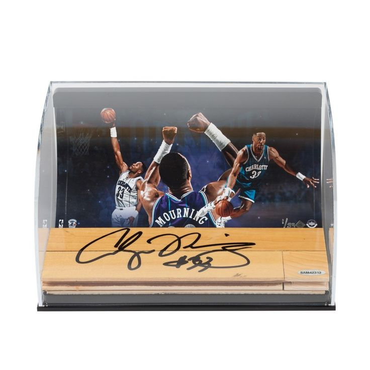 ALONZO MOURNING Hornets Photo with autographed NBA Game-Used Floor Curve Display UDA LE 33 - Game Day Legends