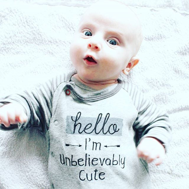 Goedemorgen! Deze cutiepie gaat vandaag voor de eerste keer naar ikea! 😄 ben benieuwd hoe dat gaat aflopen... @budgetbaby2016 @budgetaanbiedingen btw, deze onsie is te verkrijgen bij de primark voor 10 euro voor 2 stuks 😉  #morningmood #cute #babyboy #myboy #babystyle #monochromekids #babyclothes #newmom #mumslife #mumswithcameras #primark #budgettip #babystuff #instababy #photooftheday @primark