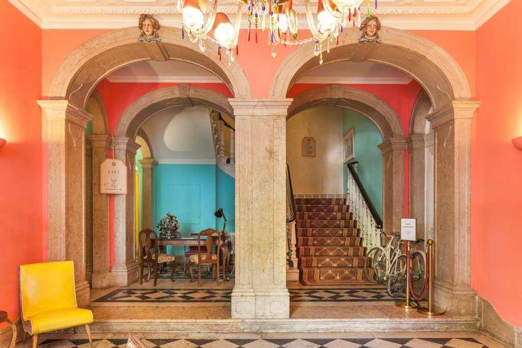 Hotels mit Doppelzimmern für unter 120 Euro – ohne Schmuddelfaktor, ohne Gähneffekt, aber mit Style und Klasse. The Independente Suites & Terrace bekommt Ihr ab 70 Euro.  Fluss und Meer, Kleinstadt und Metropole, Altehrwürdiges und blendend Neues – dieser Mix macht Lissabon zu einem der ang