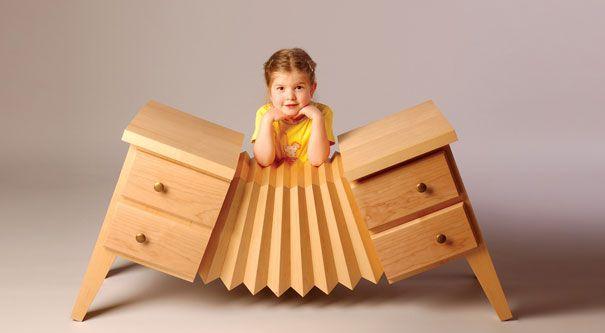 With the accordion formed tallboy, you can support music love of your child and you can help her improvement of imagination. /Akordiyon formunda bir şifonyer ile çocuğunuzun müzik aşkını destekleyebilir, hayal gücünün gelişmesine yardımcı olabilirsiniz