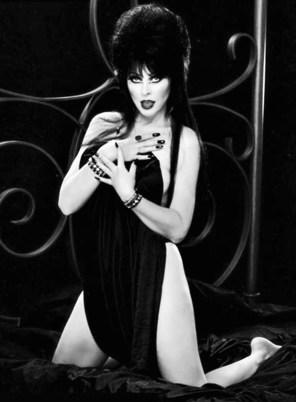 mistresses-of-the-dark-naked