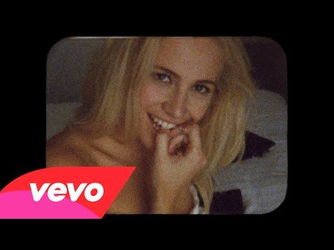 Break Up Song is the new single from Pixie Lott. Available now on Pixie's new self-titled album. Get it now on iTunes: http://po.st/PLyt Follow Pixie online:...