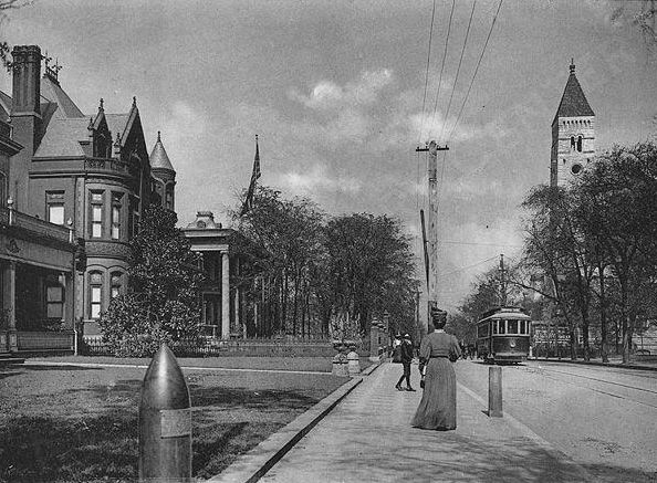 1907 view of Peachtree Street, looking north from Ellis Street.