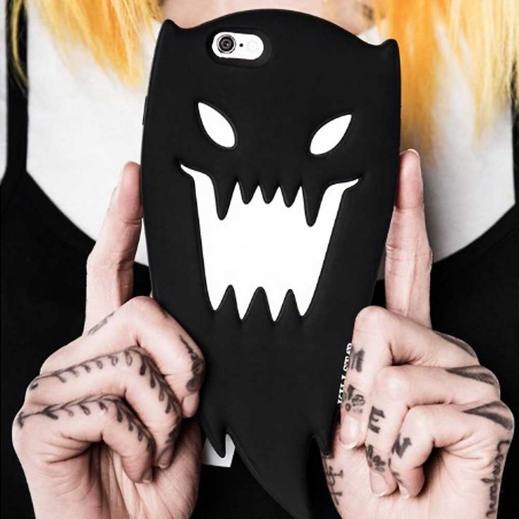 Spooky iphone case!