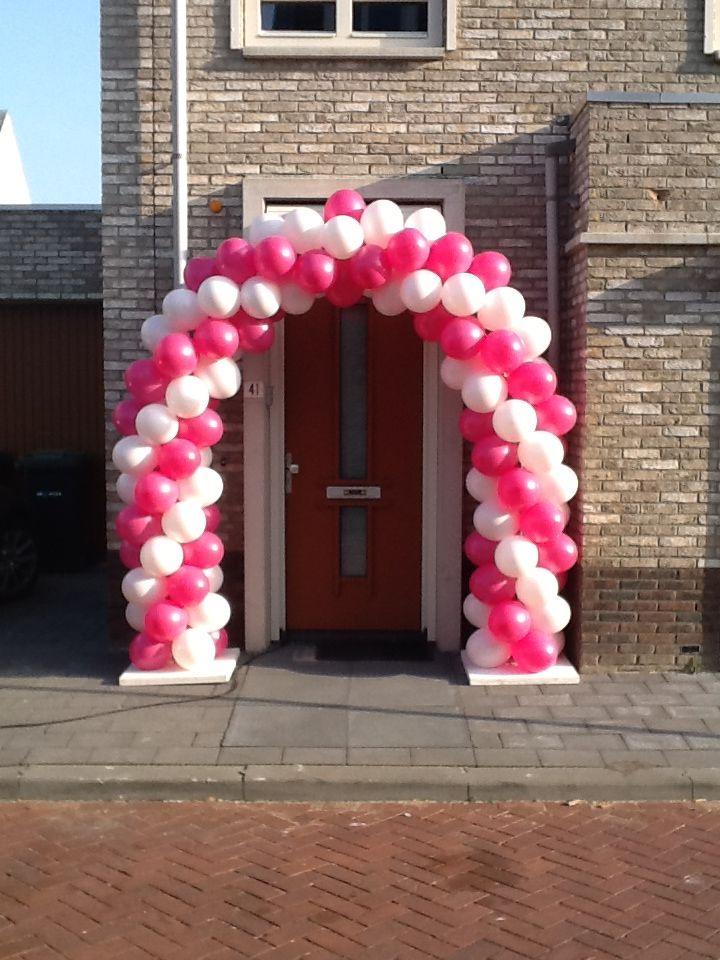 ballondecoratie: ballonnenboog feestelijke versiering voor bijvoorbeeld een bruiloft