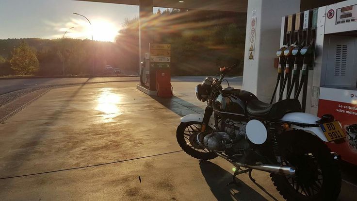 Evening ride #bmw #scrambler #motoofficina #ride