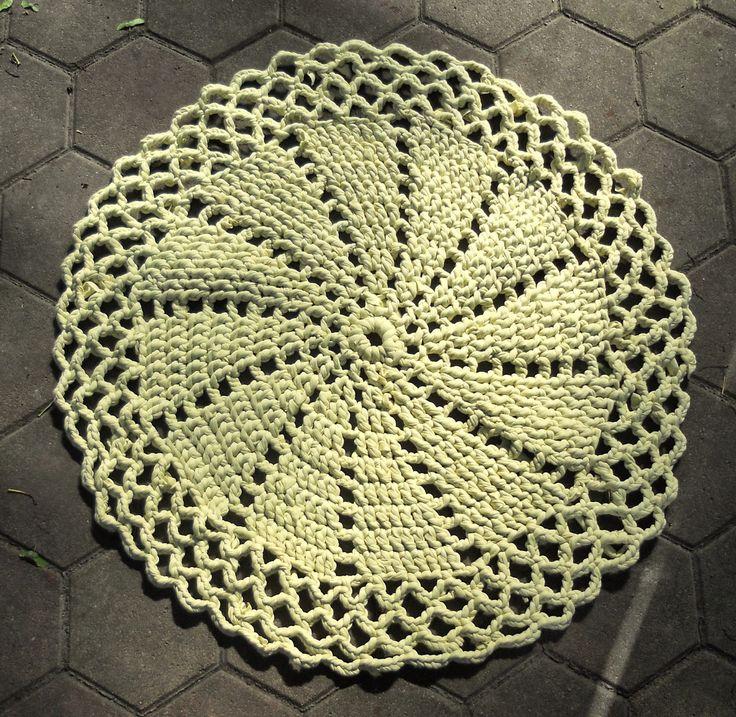 Handarbeiten * Crafts * Labores : Das gelbe runde Ding - Bath Rug