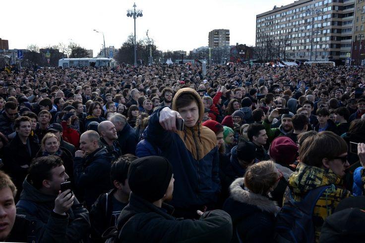 WHITE Technologies 2033: Юлия Латынина: наступил конец путинского зомбоящик...